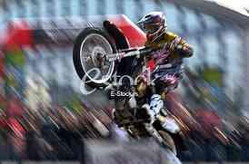 motorcycle acrobatic stunts